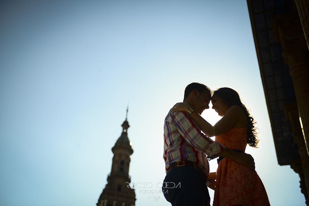 Dos enamorados por Sevilla